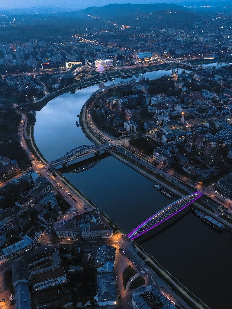 fotografia-z-drona-Krakow-rzeka-miasto