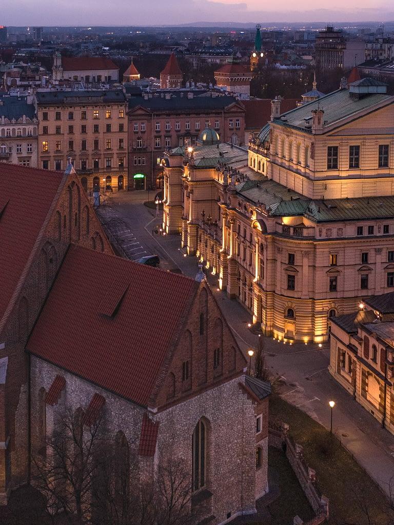 z-drona-teatr-Slowacki-Krakow
