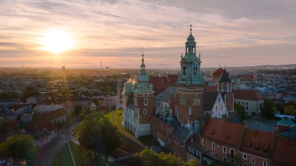 Filmowanie-dron-Krakow-Wawel-zamek