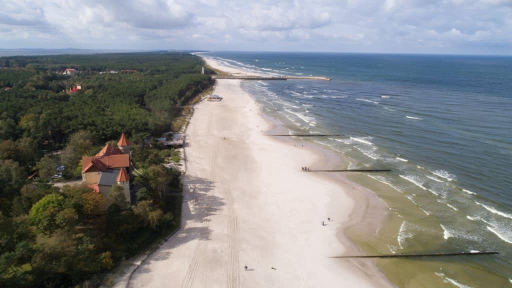 aerofotografia-plaza-morze-Leba-krajobraz